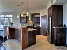 cuisine et salon aire ouverte cuisine et salon aire ouverte 13 mur interieur en bois chalet