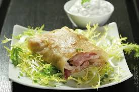 cuisiner pied de porc recette de croustillant de pied de cochon sauce tartare facile