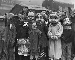 Halloween Costumes Scary 20 Vintage Halloween Costumes That Are Way Creepier Than What You