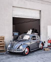 volkswagen old beetle modified the vintage volkswagen beetle goes electric wsj