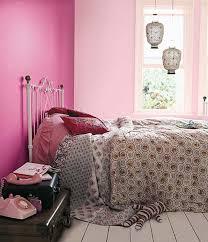 Dark Pink Bedroom - pink and black zebra bedroom decor brown furry rug on wooden floor