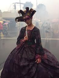 disney halloween horror nights beware of scare actors roaming the streets at halloween horror