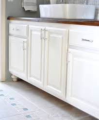 How To Paint A Vanity Top Best 25 Paint Bathroom Cabinets Ideas On Pinterest Painting
