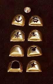 gold cap teeth