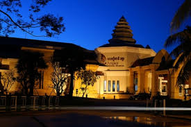 Visit the Angkor National Museum
