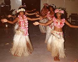 pictures of hula dancers