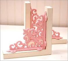 pink book ends