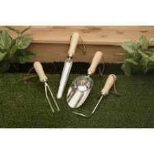 english gardening tools