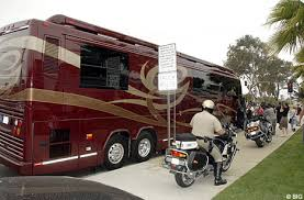 britney spears tour bus
