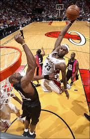pics of lebron james dunks