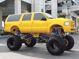 huge lifted trucks