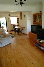pine lounge