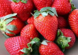 பழங்களில் என்னென்ன நோய்களை தடுக்கிறது Strawberries