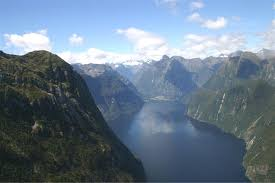milford sounds new zealand