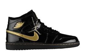air jordan 1 retro black gold