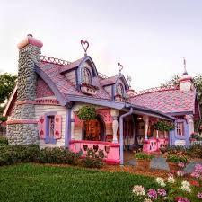 pink barbie house