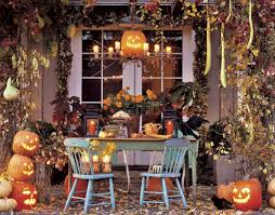 homes decorated for halloween