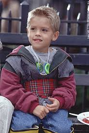 http://t0.gstatic.com/images?q=tbn:GILs_9SSieOoDM:http://images.allmoviephoto.com/1999_Big_Daddy/cole_dylan_sprouse_big_daddy_001.jpg&t=1