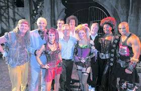 Queen - We Will Rock You (feat. Ben Elton) (Original London Cast)