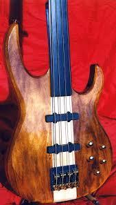 carvin fretless bass