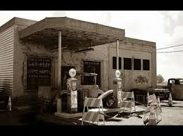 pictures of old gas stations