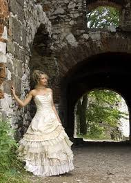 eco friendly wedding gowns