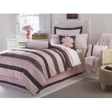 brown and pink comforters
