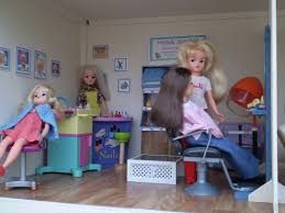 sindy doll house