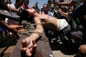 Der PROZESS Jeschua aus jüdischer Sicht –13- > Der DURCHBOHRTE < Philippines-Crucifiction--004