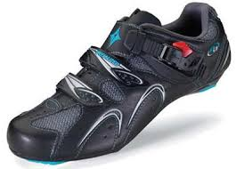 form fitting shoes