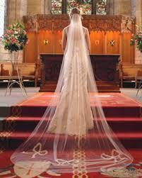 bridal gown veil