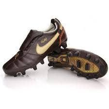 ronaldinho shoes 2009