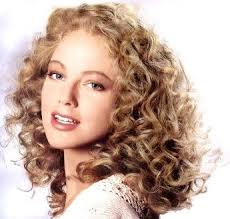 quick and easy hairstyles for curly hair