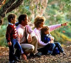 famiglia2 Cari candidati, pensate alla famiglia nei vostri programmi.