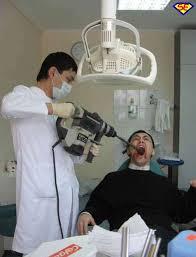 dentista con trapano Salute, basta paura dal dentista se usa il plasma al posto del trapano.