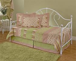 girl day bed