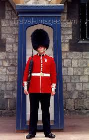 guards of buckingham palace