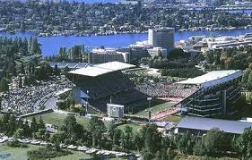 husky stadium pictures