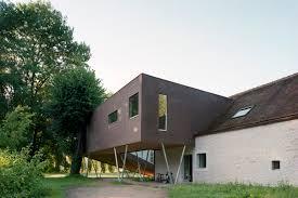 farmhouse building
