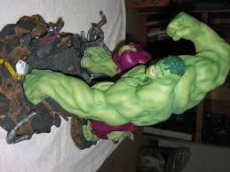 incredible hulk statues