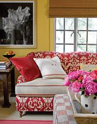 decorating a yellow room