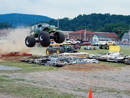 monster truck gravedigger