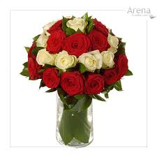 red and white rose bouquets