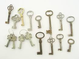 antique keys pictures