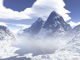 رشته کوه های برفی و زمستانی