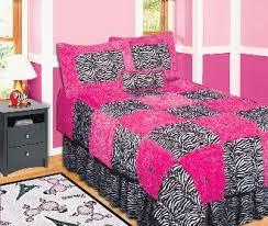 pink and black bedspread