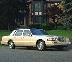 lincoln town and country