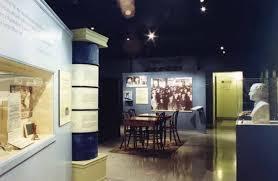 exhibit a gallery