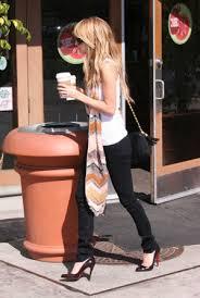 celebrities in skinny jeans