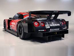 nissan racing car